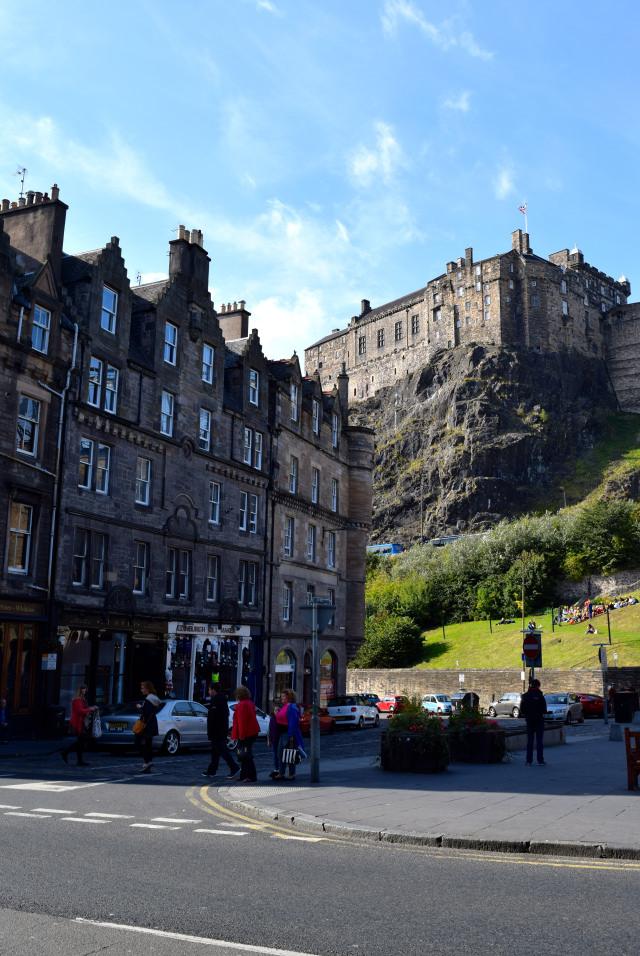View of Edinburgh Castle   www.rachelphipps.com @rachelphipps
