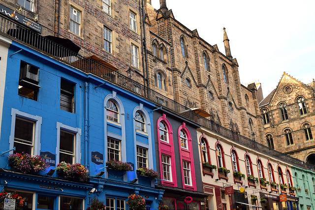 Coloured Houses in Edinburgh   www.rachelphipps.com @rachelphipps