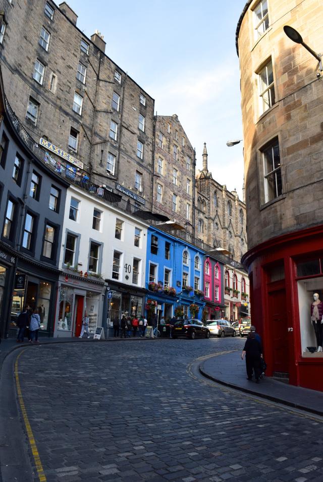 Haymarket Streets, Edinburgh | www.rachelphipps.com @rachelphipps