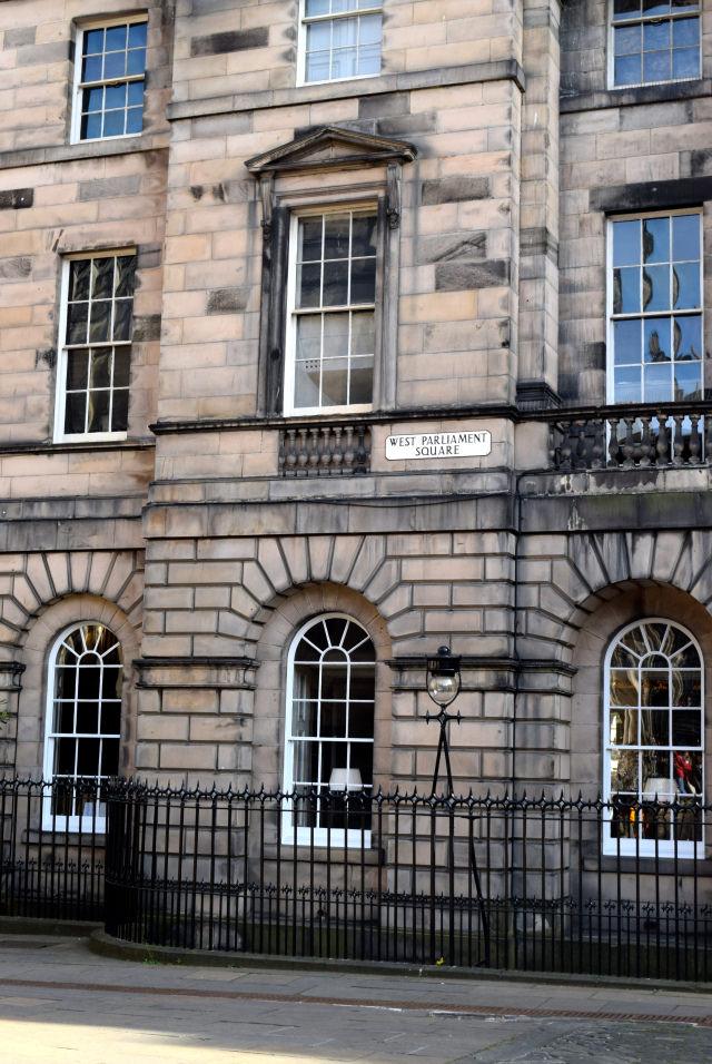 West Parliament Square | www.rachelphipps.com @rachelphipps