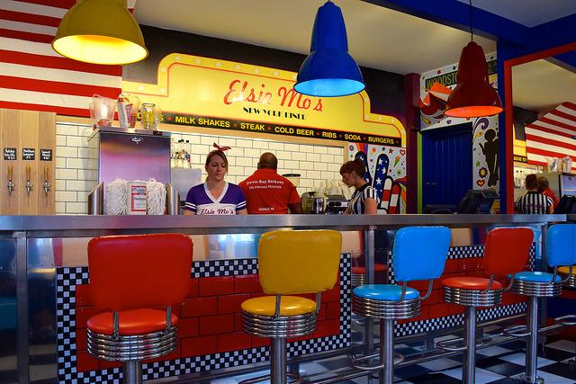 Elsie Mo's Diner, Canterbury | www.rachelphipps.com @rachelphipps