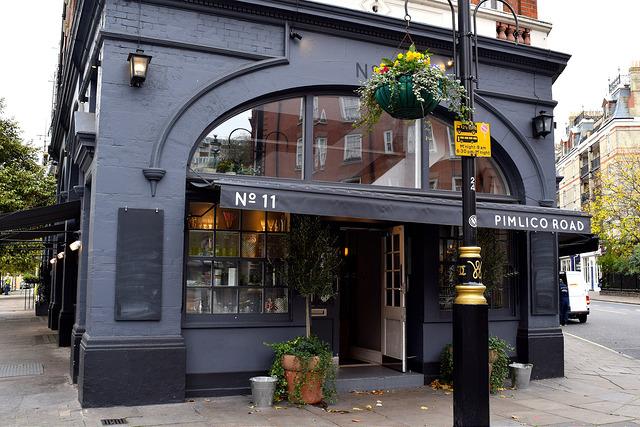 No. 11 Pimlico Road, London | www.rachelphipps.com @rachelphipps