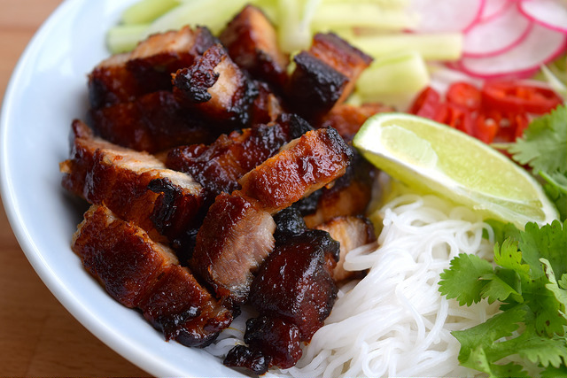 Korean Barbecue Pork Belly Bun Bowl | www.rachelphipps.com @rachelphipps