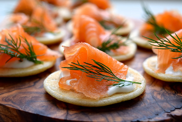 How To Make Gin & Dill Cured Salmon Bilinis | www.rachelphipps.com @rachelphipps