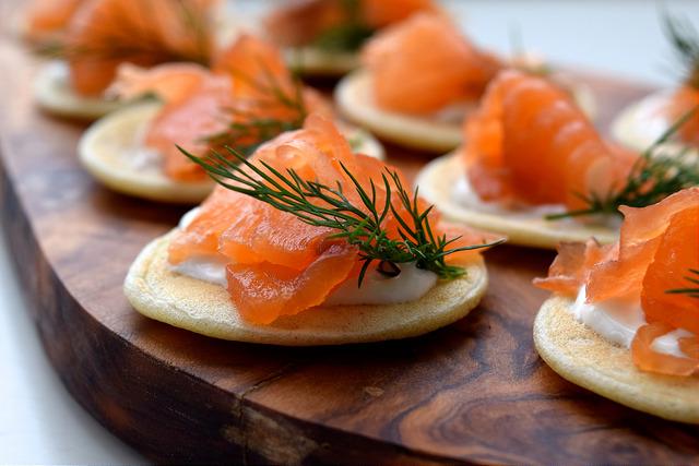Homemade Gin & Dill Cured Salmon Bilinis | www.rachelphipps.com @rachelphipps