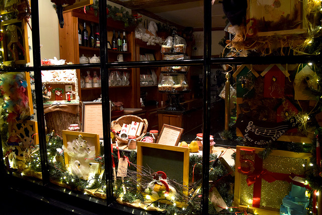 Tiny Tim's Tea Rooms Christmas Window, Canterbury | www.rachelphipps.com @rachelphipps