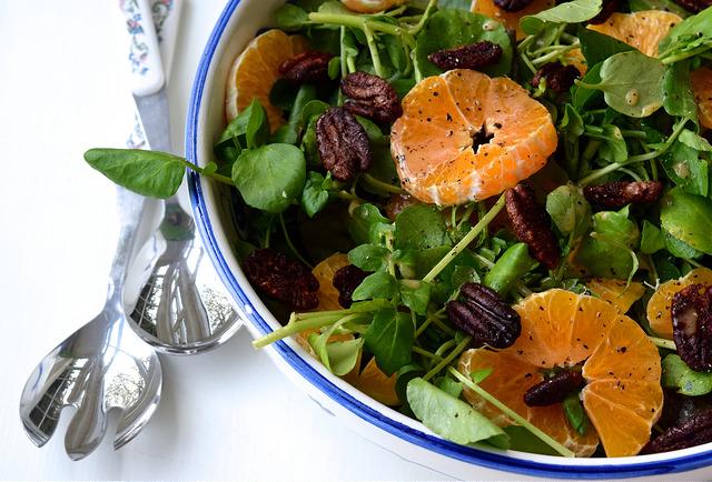 Watercress, Clementine & Candied Festive Spiced Pecan Salad | www.rachelphipps.com @rachelphipps