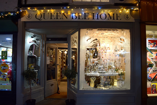 Queen Bee Home Christmas Window Display, Canterbury | www.rachelphipps.com @rachelphipps