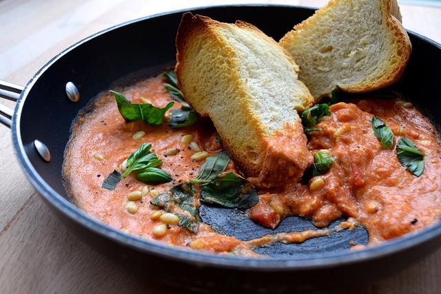 Student Suppers: Strapatsada | www.rachelphipps.com @rachelphipps