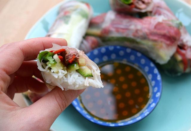 Dipping Vietnamese Steak Salad Summer Rolls | www.rachelphipps.com @rachelphipps