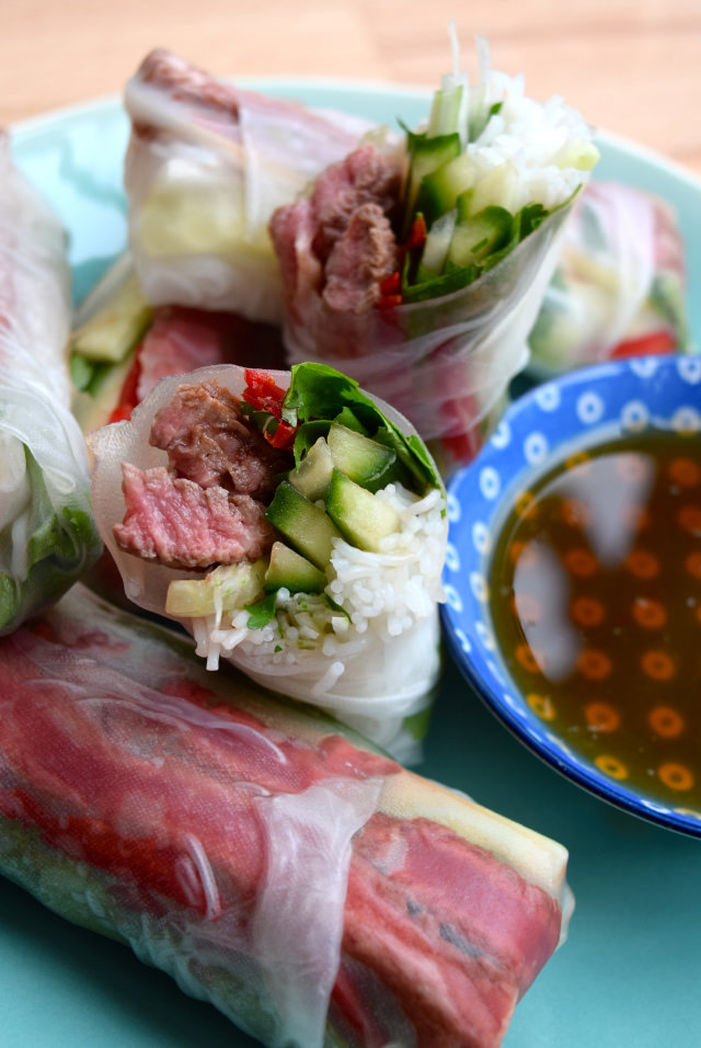 Vietnamese Steak Salad Rolls | www.rachelphipps.com @rachelphipps