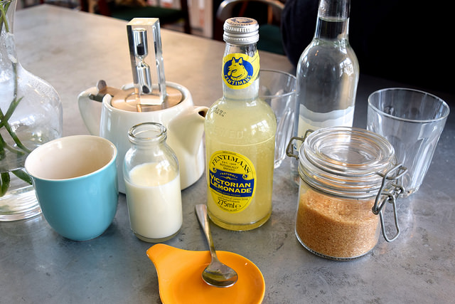 Drinks at Pop Up Cafe, Deal | www.rachelphipps.com @rachelphipps