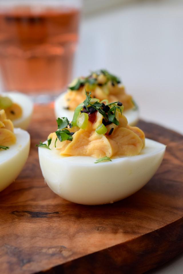 Easy Asian Devilled Eggs | www.rachelphipps.com @rachelphipps