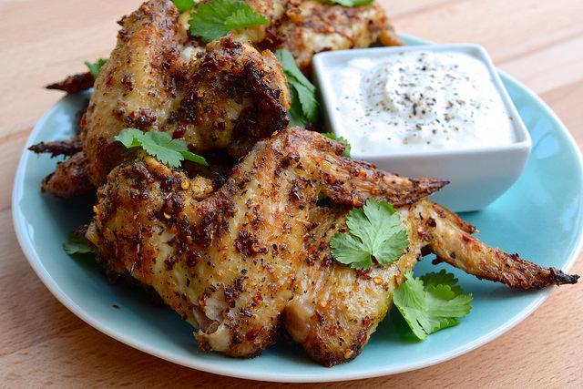 Piri Piri Chicken Wings with Caramalised Garlic Yogurt | www.rachelphipps.com @rachelphipps