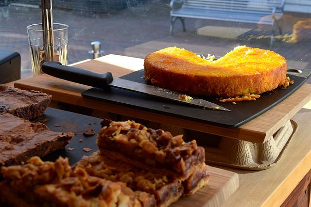 Cakes at Pop Up Cafe, Deal | www.rachelphipps.com @rachelphipps