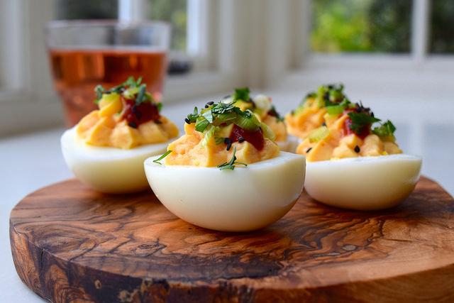 How To Make Asian Style Devilled Eggs | www.rachelphipps.com @rachelphipps