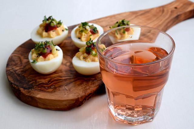 Asian Style Devilled Eggs | www.rachelphipps.com @rachelphipps