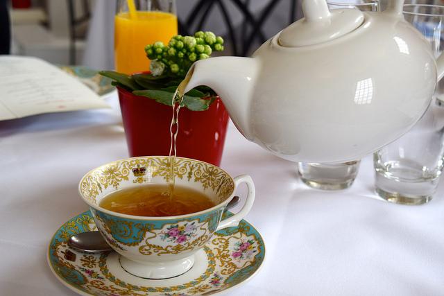 Spearmint Tea at The Orangery, Kensington Palace | www.rachelphipps.com @rachelphipps