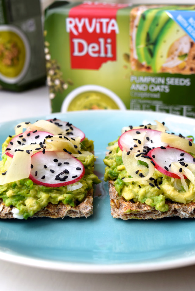 Asian Avocado Ryvita with Homemade Sushi Ginger | www.rachelphipps.com @rachelphipps