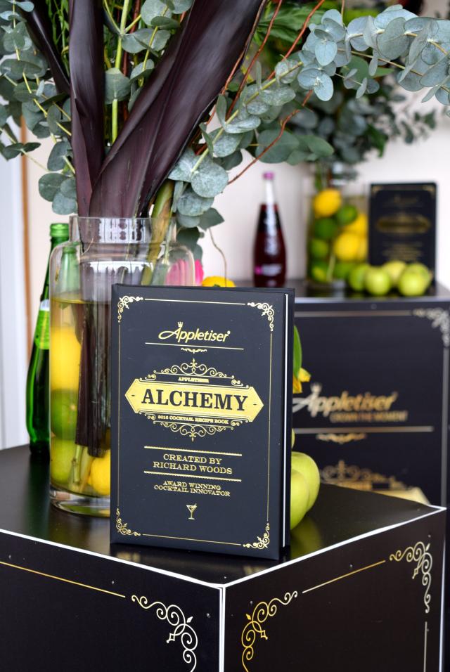 Cocktail Masterclass at Ascot for Appletiser's 50th Birthday | www.rachelphipps.com @rachelphipps