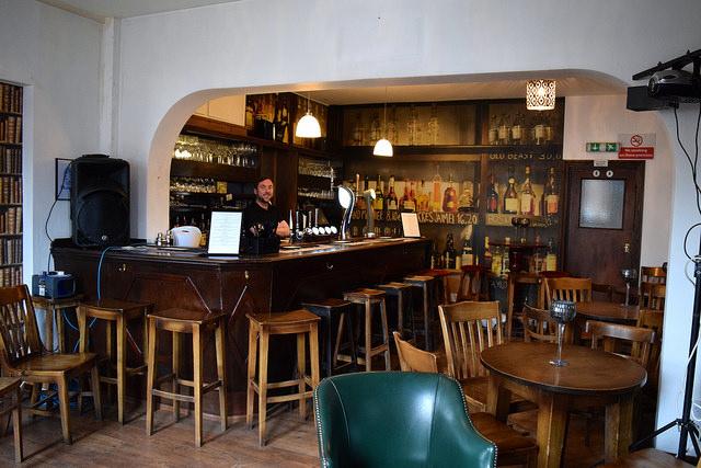 The Jolly Gardener Pub, Deal | www.rachelphipps.com @rachelphipps