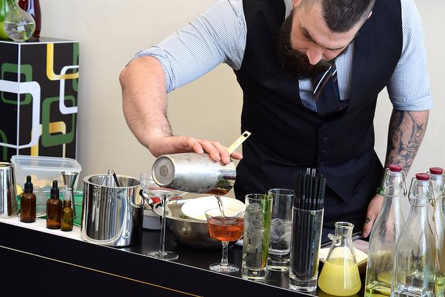 Appletiser Cocktail Masterclass with The Cocktail Guy | www.rachelphipps.com @rachelphipps