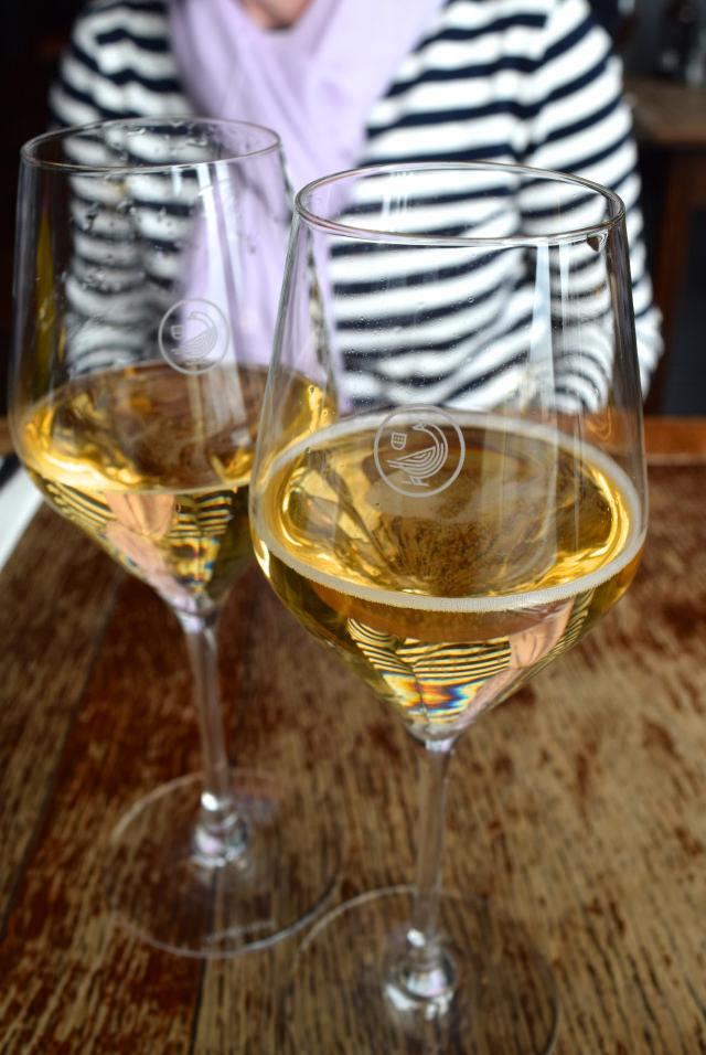 Gusbourne English Sparkling Wine at Wyatt and Jones, Broadstairs   www.rachelphipps.com @rachelphipps