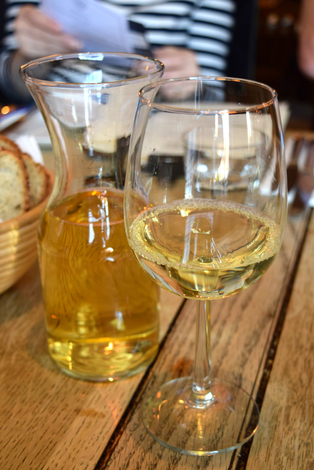 Croatian White Wine at The Duke William, Ickham | www.rachelphipps.com @rachelphipps