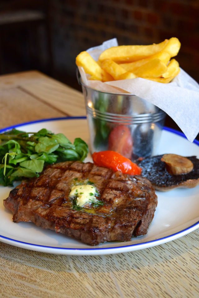 300g Rib Eye Steak at The Duke William, Ickham | www.rachelphipps.com @rachelphipps