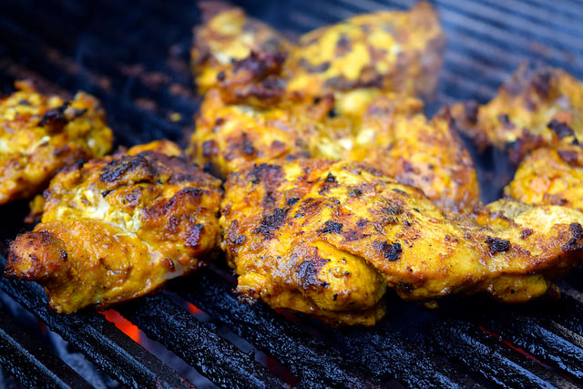 Barbecue Turmeric Chicken Thighs | www.rachelphipps.com @rachelphipps
