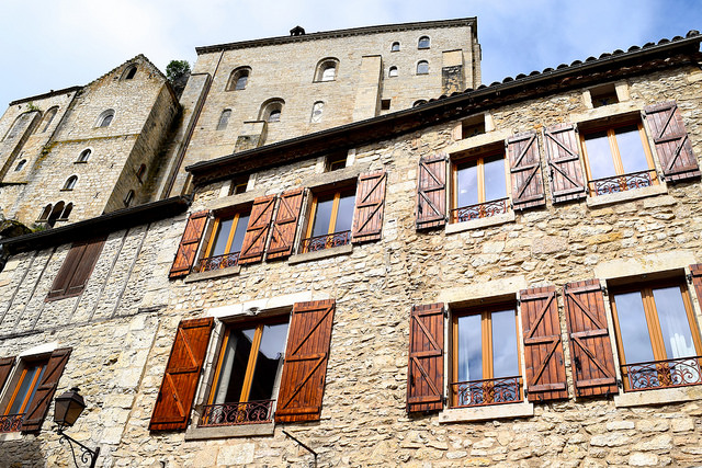 Houses in Rocamadour | www.rachelphipps.com @rachelphipps