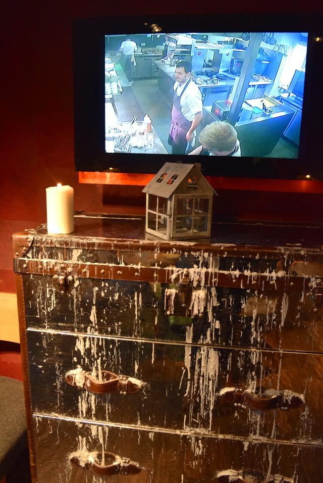 Kitchen View at The Swan, Chapel Down | www.rachelphipps.com @rachelphipps
