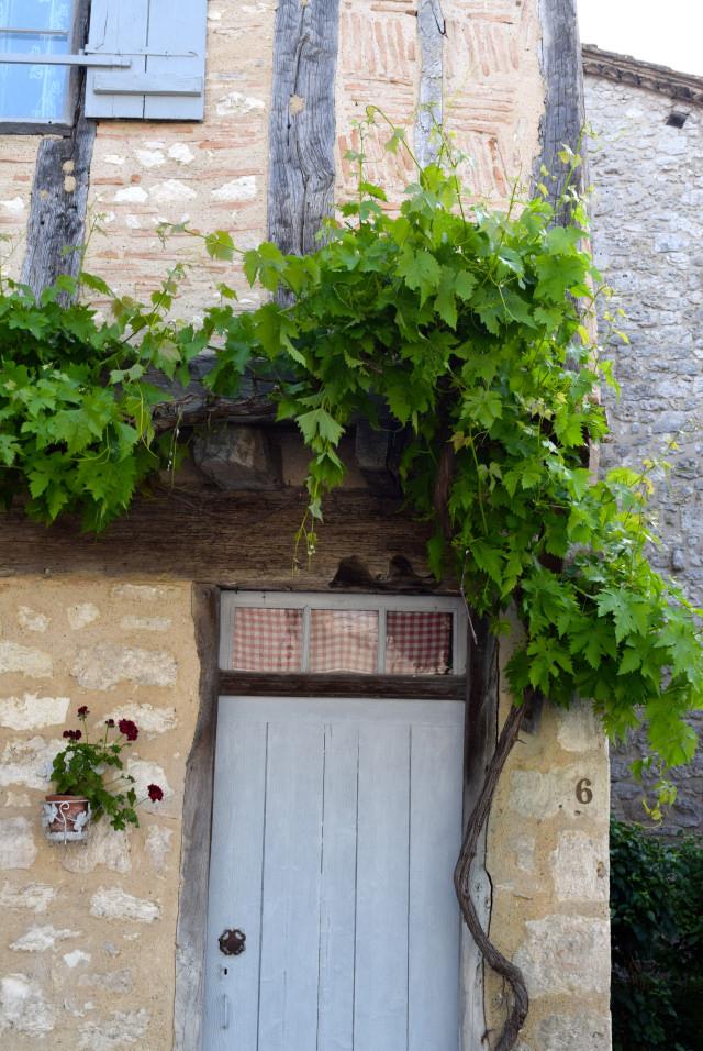Houses in Issigeac | www.rachelphipps.com @rachelphipps