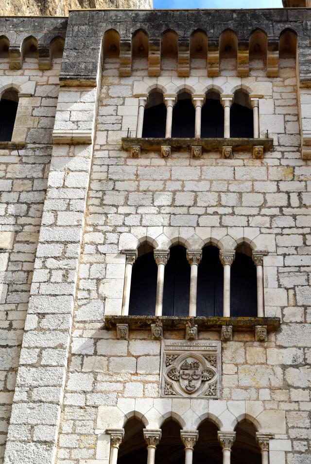 Buildings in Rocamadour | www.rachelphipps.com @rachelphipps