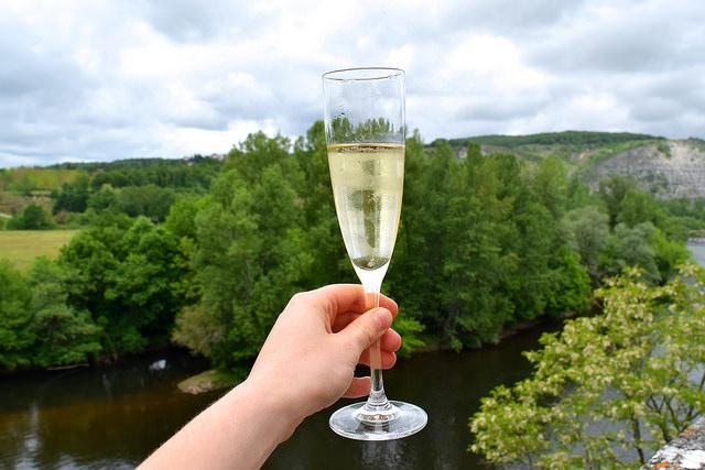 Champagne at Chateau de la Treyne | www.rachelphipps.com @rachelphipps