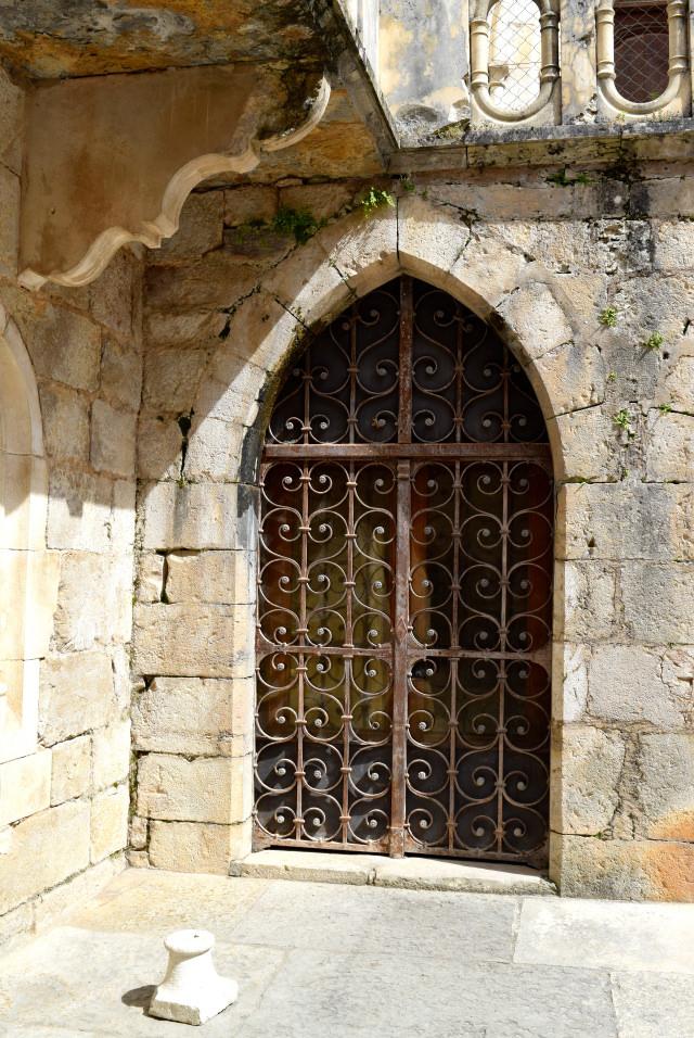Ironwork at Rocamadour | www.rachelphipps.com @rachelphipps