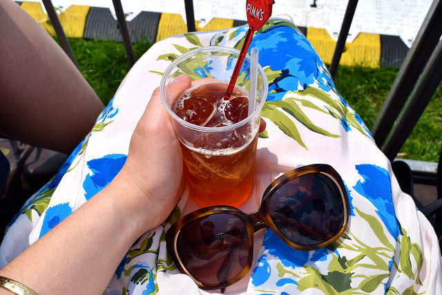 Drinking Pimm's at Polo in the Park | www.rachelphipps.com @rachelphipps