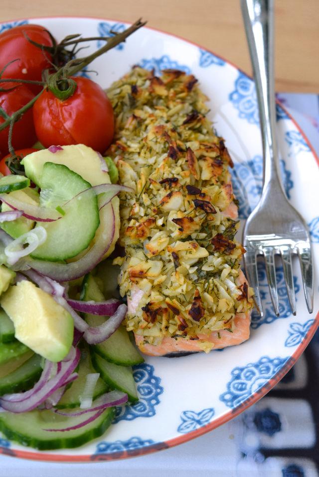 Almond & Lemon Crusted Salmon | www.rachelphipps.com @rachelphipps