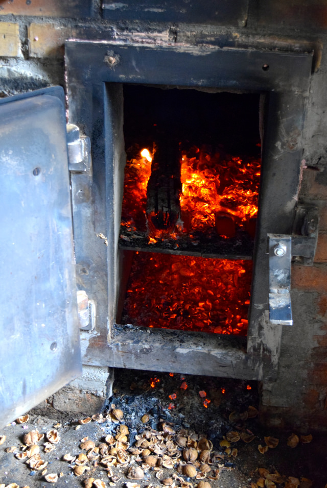 Burner for Roasting Walnuts | www.rachelphipps.com @rachelphipps