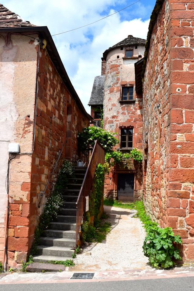 Collognes-la-Rouge, Dordogne Valley | www.rachelphipps.com @rachelphipps