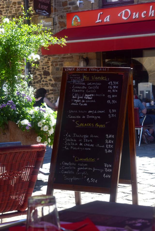 Lunch in Fougeres, Brittany | www.rachelphipps.com @rachelphipps