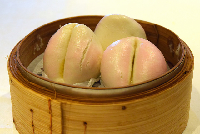 Steamed Lotus Buns at Royal China, Baker Street | www.rachelphipps.com @rachelphipps
