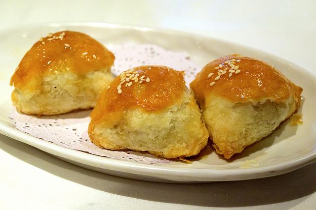 Chinese Pork Puffs at Royal China, Baker Street | www.rachelphipps.com @rachelphipps