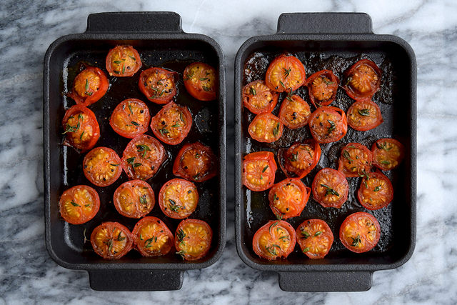 How To Make Cheats Slow Roasted Tomatoes in 10 Minutes | www.rachelphipps.com @rachelphipps