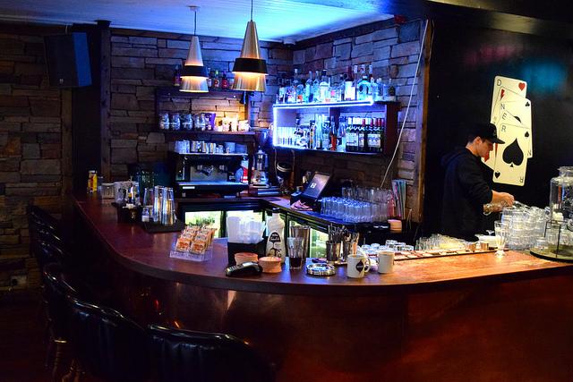 Bar at The Diner, Soho | www.rachelphipps.com @rachelphipps