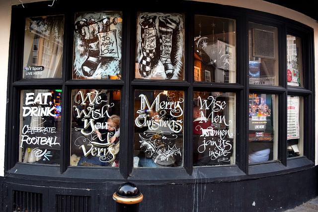 The Three Tuns Christmas Windows 2016, Canterbury | www.rachelphipps.com @rachelphipps