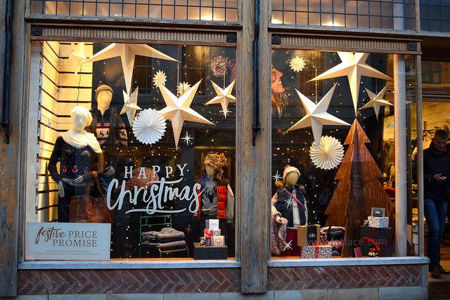 Fat Face Christmas Windows 2016, Canterbury | www.rachelphipps.com @rachelphipps