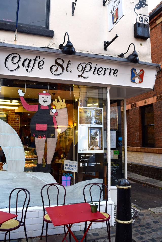 Cafe St. Pierre Christmas Window 2016 | www.rachelphipps.com @rachelphipps