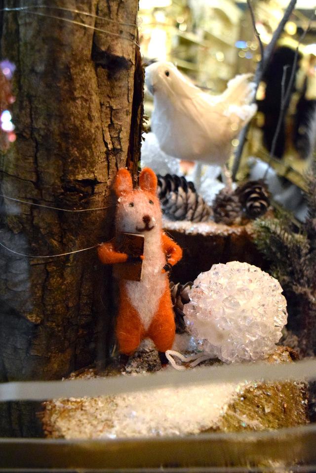 Fantastic Mr Fox in Queen Bee Home's 2016 Christmas Window | www.rachelphipps.com @rachelphipps