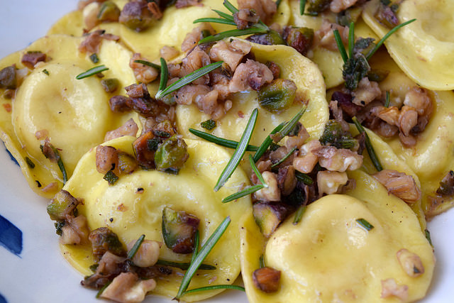 Ravioli in Nutty Herby Butter   www.rachelphipps.com @rachelphipps